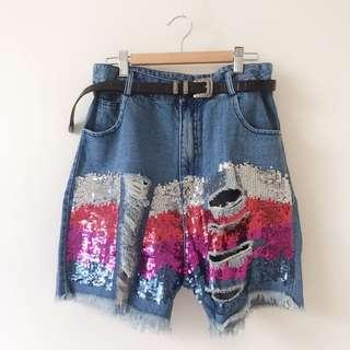 Ripped boyfriend high waisted shorts size M