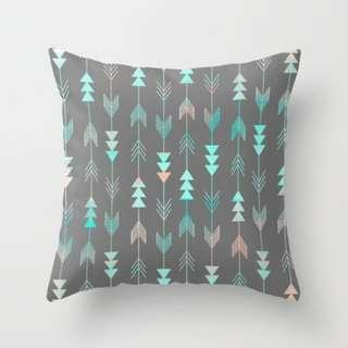 🚚 Grey Aztec Arrows Throw Pillow Cushion Covers