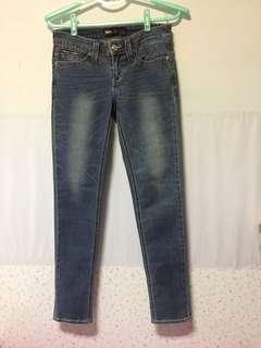 Levi's skinny牛仔褲