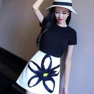 🍃Black Blouse and White Floral Skirt Ternoset