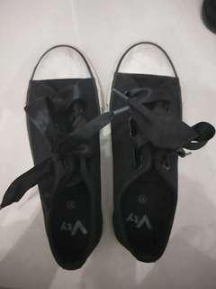 Big Bow Black Shoes Size 37