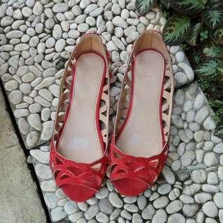 Sepatu rubi (flatshoes)