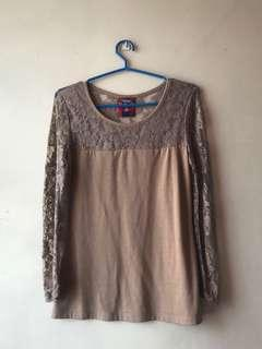 Herbench Lace Top
