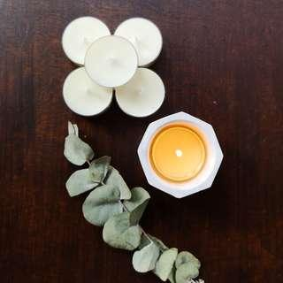 Botanicals And Bees © Scented Tealight Candles