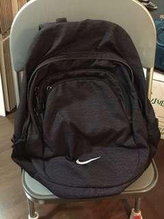 Nike 背包