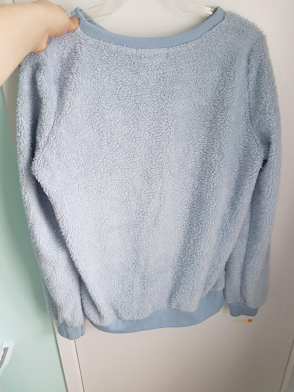 Mirrou baby blue sweater
