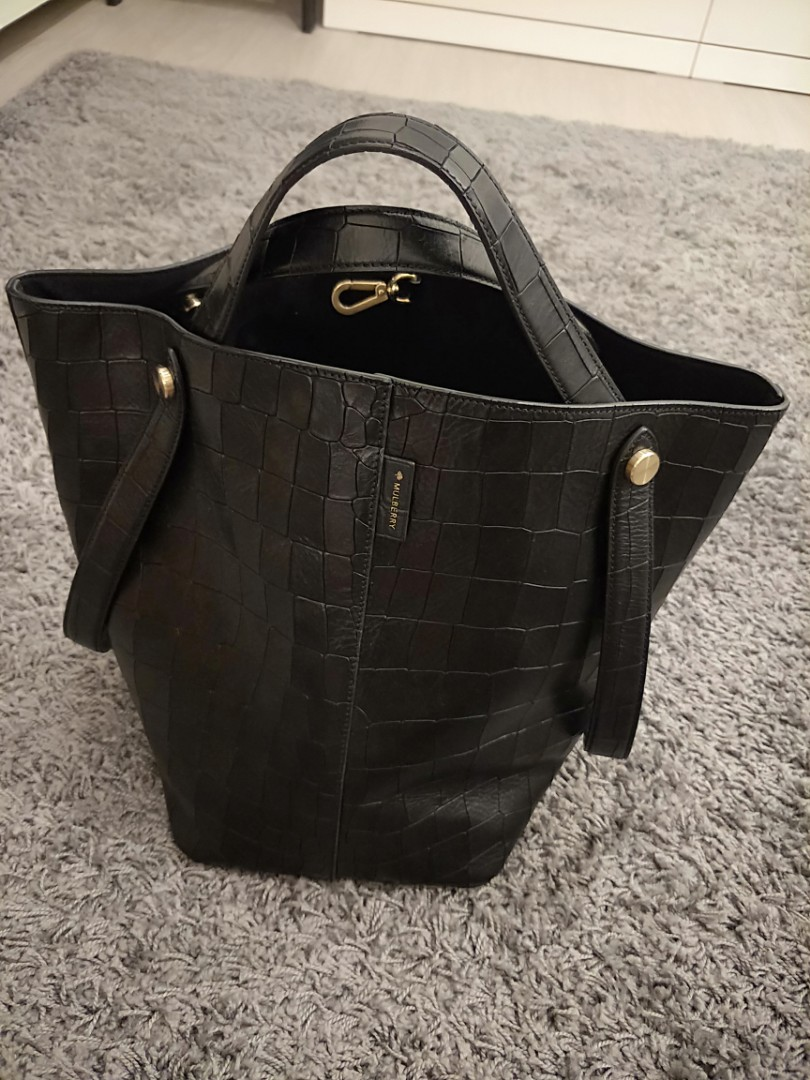 546f3c3e6a1 Mulberry leather black bucket bag