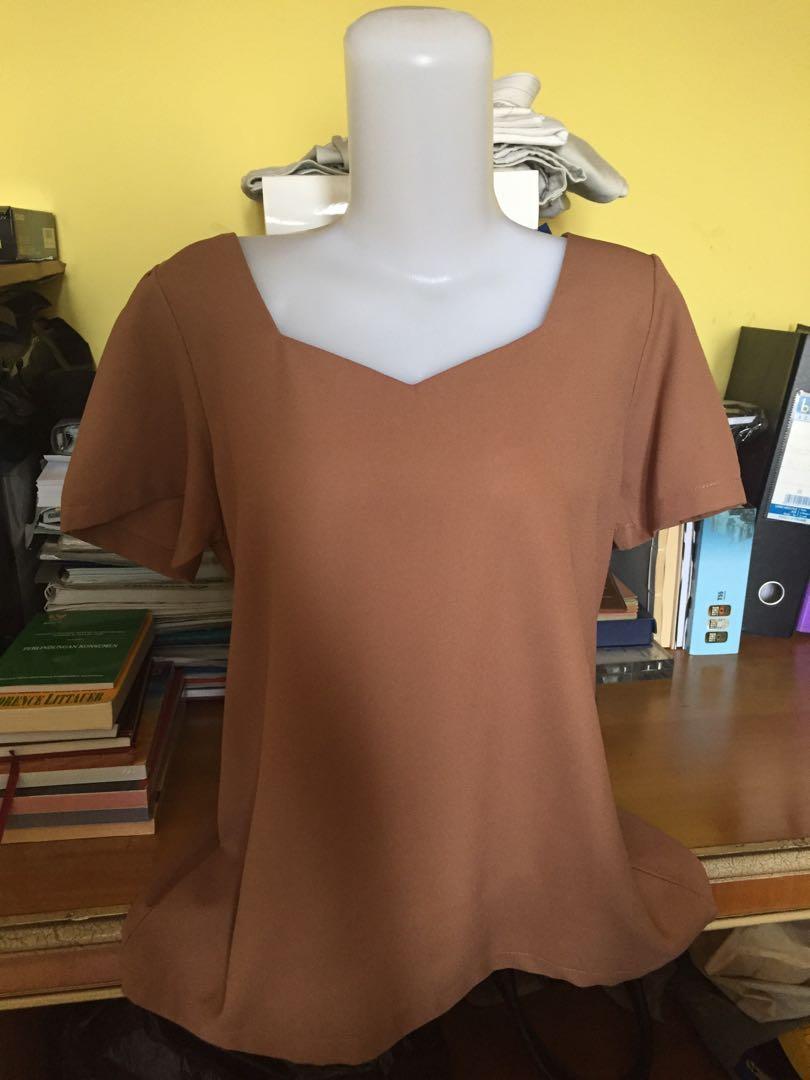 Plain brown top