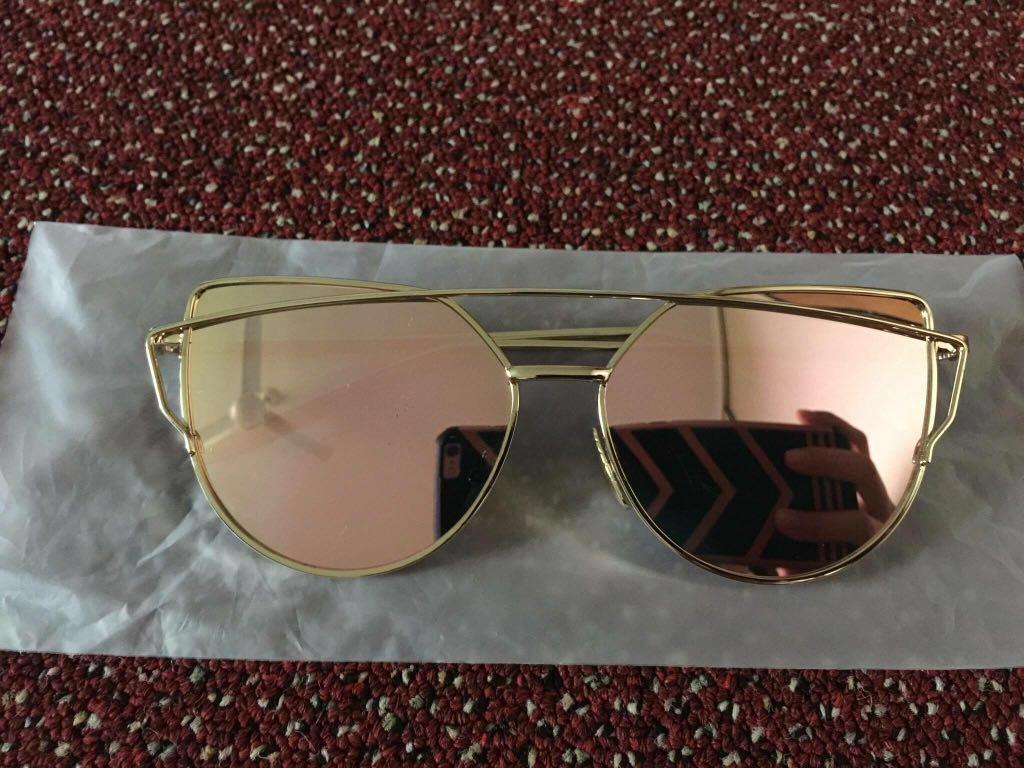 Rose gold reflective sunnies