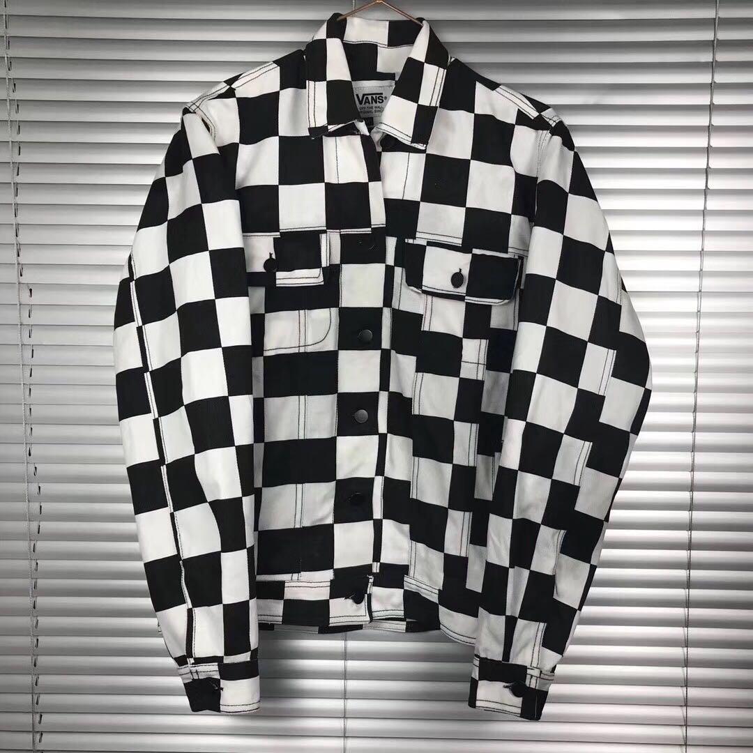 vans white black checkerboard