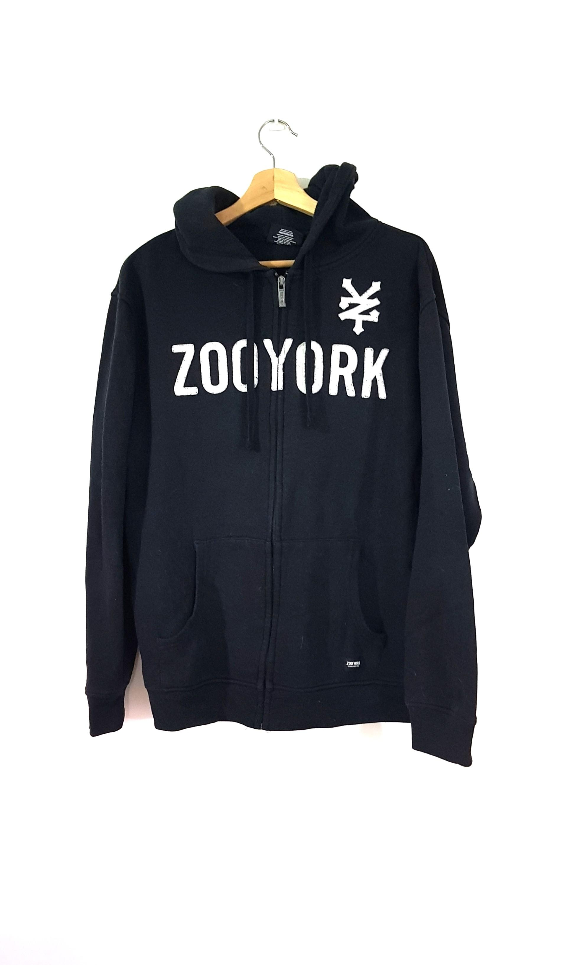 964c070dd Vintage Zoo York Jacket, Men's Fashion, Clothes, Outerwear on Carousell