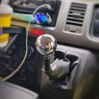 SAMPLE on Toyota Hiace - Chrome Series Gear Knob