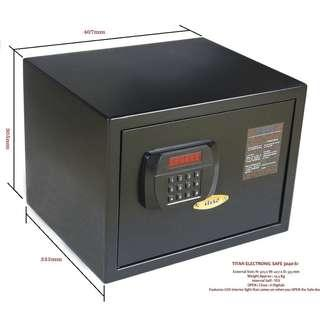 TITAN D3040 Large Safe on Sales @ FairPrice Xtra Outlets~ Size: H305 x W407 x D334 mm Weight: 18 Kg