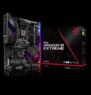 Intel Z390 EATX gaming motherboard with 802.11ac W-Fi, ROG DIMM.2 dual M.2 expansion card, Aura Sync RGB LED, DDR4 4400MHz, four M.2, SATA 6Gbps, HDMI and USB 3.1 Gen 2