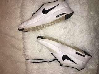 Nike Thea Shoes