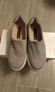 女裝休閒便服鞋