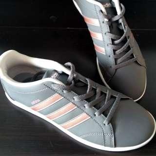 New Adidas Neo Womens Sneakers sz 7
