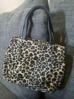 Nine west pouch bag