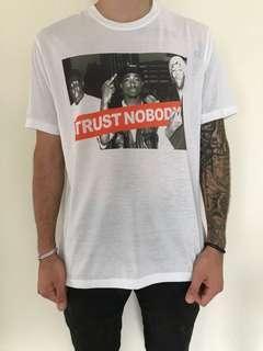 TRUST NOBODY TSHIRT MENS SIZE M AND L TUPAC BIGGIE