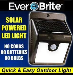Ever-Brite自動感應燈 4LED 太陽能路燈 家用戶外壁燈 防水超亮庭院燈 走道人體感應