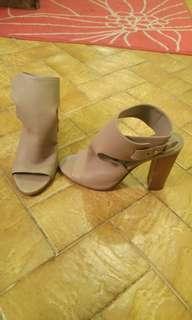 Vince Block Heel size 8.5