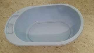 Bath tub for baby bath