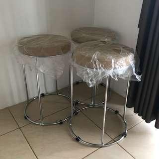Bangku / stool informa (kursi)
