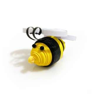 🚚 Cute Bee Quilling Art