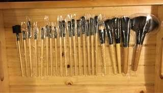 MAKEUP BRUSHES SALE!!