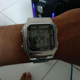 Jam tangan Casio illuminator