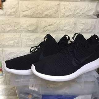Nike shoes us10.5