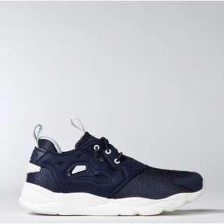 🚚 Reebok 復興系列 運動球鞋
