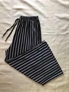 Black and white stripes square pants