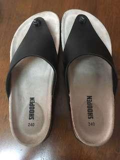 Shoopen sandals