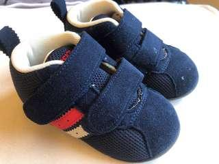 🚚 Asics 男童學步鞋