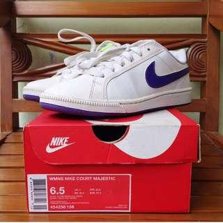 WMNS Nike Court Majestic