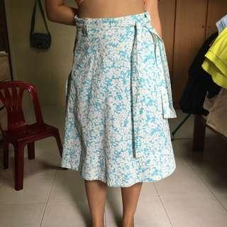 🚚 Authentic Burberry Floral Skirt (vintage)