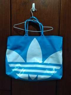 🚚 Adidas 三葉草亮藍防水包