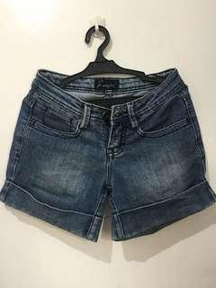 2 for 200php shorts