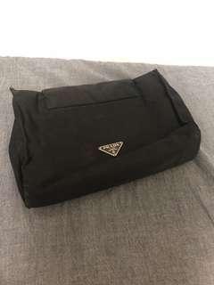 🚚 Prada 黑色化妝包 收納包