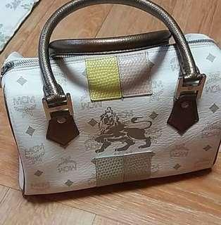 Preloved authentic mcm