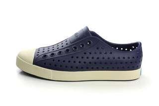 Native Jefferson 奶油頭深藍 洞洞鞋
