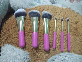 Mini makeup brush set PRELOVED