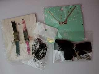 Necklace/chokers/bracelets