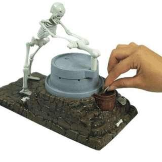 Coin bank halloween