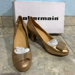 Obermain gold heels