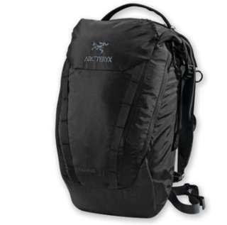 ArCteryx Spear 20 daypack black 九成新 100% real