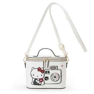 5dedeb92d0e9  PO  Sanrio Japan Hello Kitty Action Touch Vanity Shoulder Bag