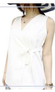 White side knot tops