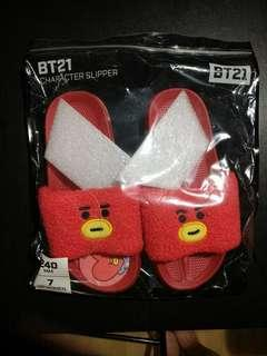 BTS BT21 TATA SLIPPERS & BOUCLE POUCH